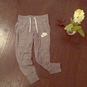 Like New Nike Grey Sweatpants 🏋🏼♀️